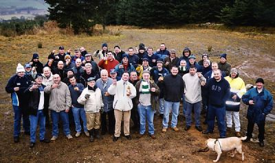2003 pagie walkers raise a ne'er glass - copyright of lindsay addison